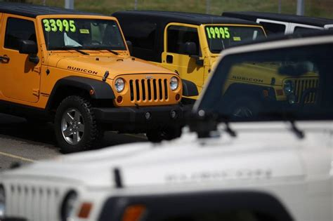 Jeep Dealerships Louisville Ky Fiat Chrysler Outlines Vehicle Strategy To Dealers Wsj