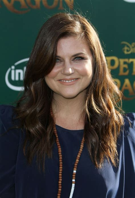 tiffani thiessen tiffani thiessen at pete s dragon premiere in hollywood