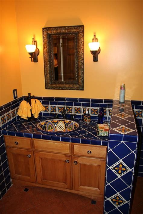 mexican bathroom ideas 1000 ideas about mexican tile kitchen on pinterest