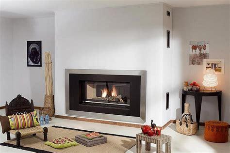 chimeneas de salon chimeneas modernas en salones acogedores y amenos