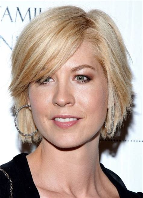 hair cut style for middleage ewomen with round face middle aged hairstyles women jenna elfman hair styles