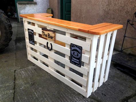 Pallet Bar Top by 50 Best Loved Pallet Bar Ideas Projects