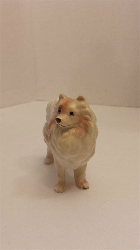 pomeranian figurine 17 best images about pomeranian figurines on ruby white pomeranian
