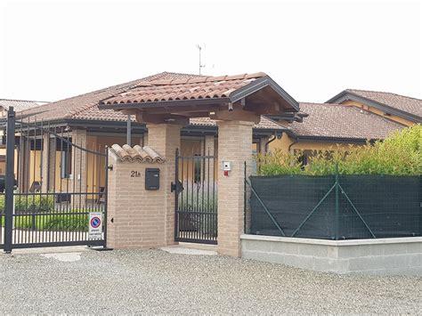 ingresso abitazione snap immobili copertura per cancello ingresso abitazione