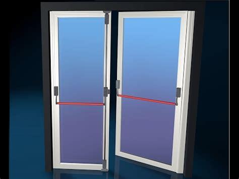 porta antipanico porta d ingresso con maniglione antipanico porta d