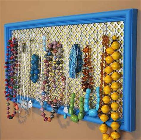 come costruire un porta collane fai da te 10 portagioie fai fa te per mettere ordine a collane e