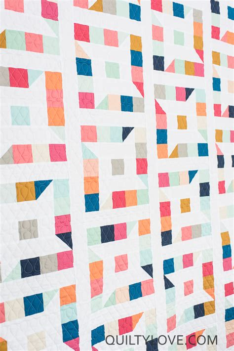 Friendly Stars Quilt: The Kona Solids One   Quilty Love