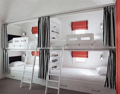 Ranjang Yang Ada Lacinya desain kreatif kamar tidur untuk banyak orang arsitag