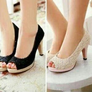 High Heels Bahan Brukat sepatu sandal high heels cantik model terbaru murah
