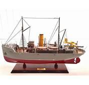 Tintin  Maquette Du Navire Aurore Avec Hydravion L