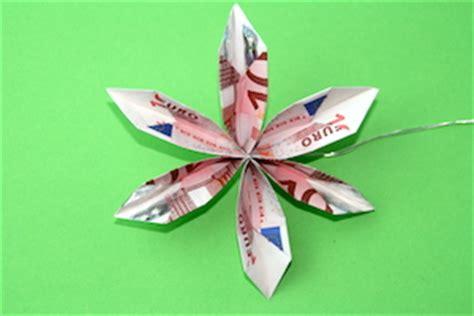 braut aus geldscheinen falten faltanleitung geldblume als geldgeschenk hochzeit net