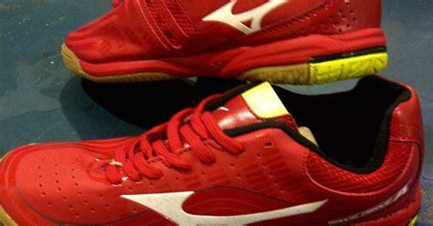 Sepatu Wakai Kelapa Gading sepatu tenis meja mizuno merah sock toko pingpong