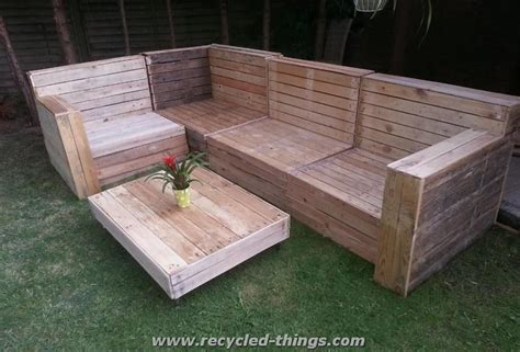 Furniture Made Out Of Wood Pallets by Patio Furniture From Pallet Wood Recycled Things