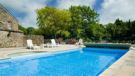 questions to ask when buying a house uk buy a house with a pool 28 images pool inspection are you thinking of buying a
