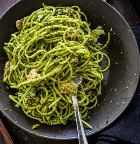 cocinar spaghetti c 243 mo cocinar pasta con pesto de aguacate cocinadelirante