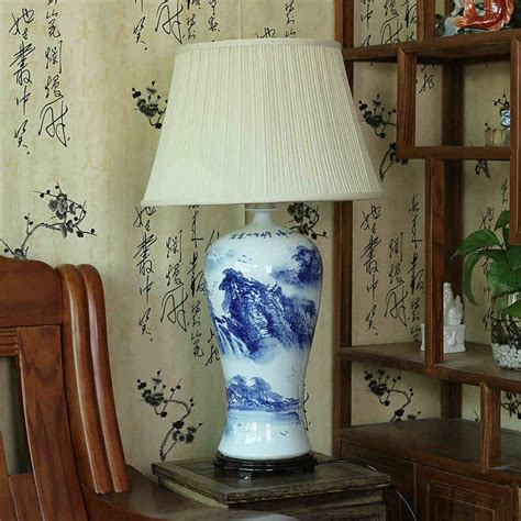 A Small Vintage Table L Blue White Ceramic Antique Style Ebay Vintage Style Porcelain Ceramic Desk Table Ls For