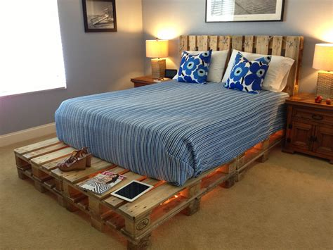 how to make a pallet bed cool pallet bed steal pinterest