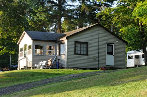 Manistique Lake Cabins by Cabin 6 Sleepy Eyed Goose Cabin