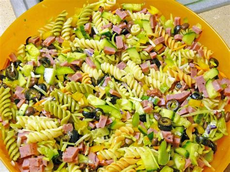 Garden Rotini Pasta Salad by Pin By Stacey Maier On Salads And Dressings
