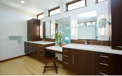 Dunkle Holzküchen Schränke schrank design badezimmer