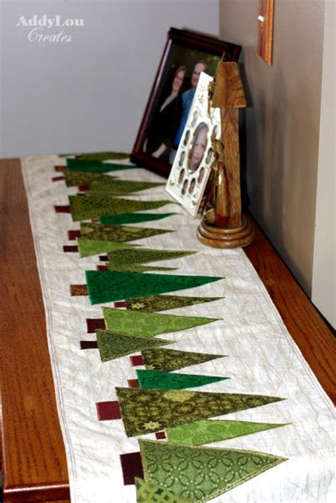Free Pattern For Christmas Tree Table Runner | 7 quilted holiday table runners quilting