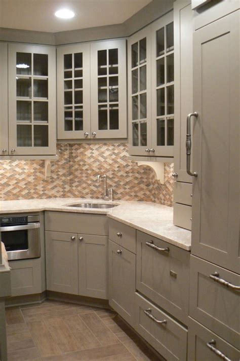 kitchen cabinet corners 1000 ideas about corner kitchen sinks on pinterest