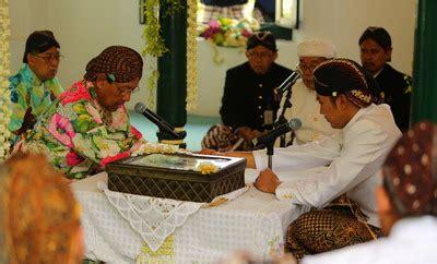 Kain Batik Tapak Suci Resmi Terbaru october 2013 selebriti sehat
