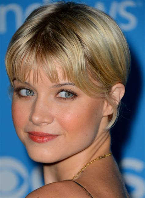 bob haircuts with center part bangs trubridal wedding blog 40 very short hairstyles that you