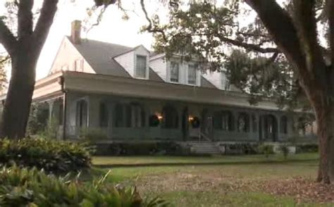 haunted houses in louisiana reporter films ghost at la plantation ny daily news