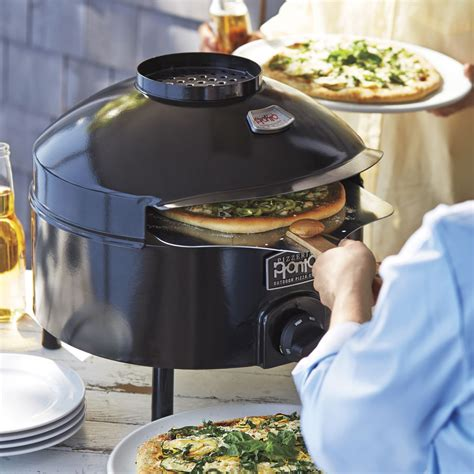 pizzeria pronto outdoor pizza oven sur la table pizza