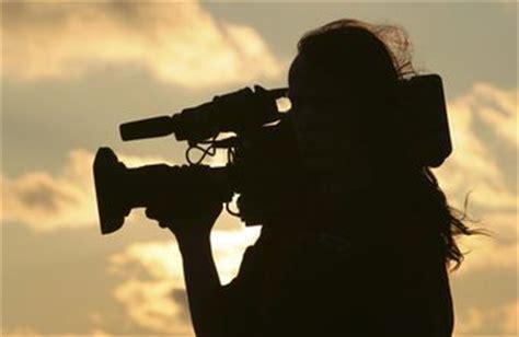 the salary for a freelance cameraman | chron.com