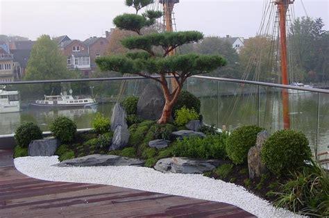 Courtyard Designs by Zengarten Auf Dachterrasse Asiatisch Terrasse