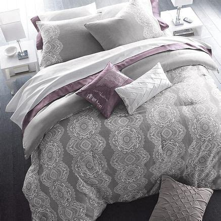 Purple Yellow And Grey Bedding by 25 Best Ideas About Purple Accents On Bedroom