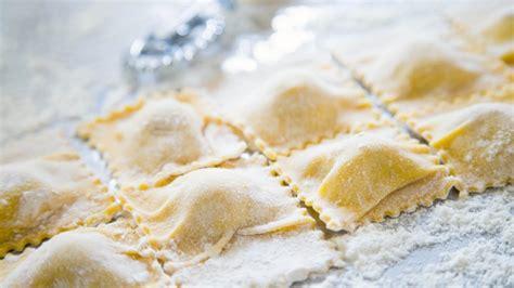 tortelli di zucca e amaretti alla mantovana tortelli di zucca alla mantovana la ricetta originale