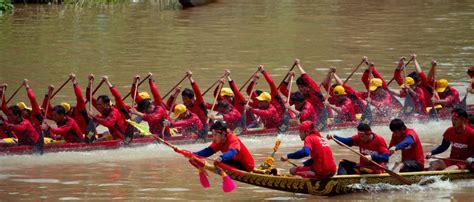 new year 2015 boat races luang prabang boat races mekong cruisesmekong cruises