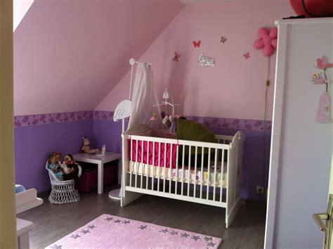 chambre fille violet emejing peinture chambre fille et blanc images