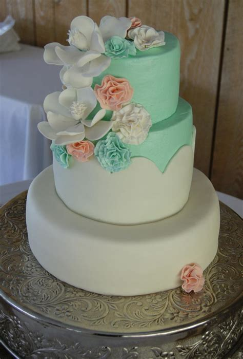 Wedding Cake Quantities by Wedding Cakes Simple Wedding Cakes With Icing In 2018