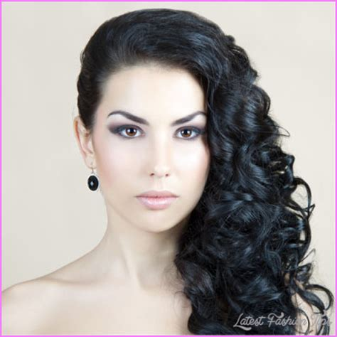 curly hairstyles pinned to the side latestfashiontips com