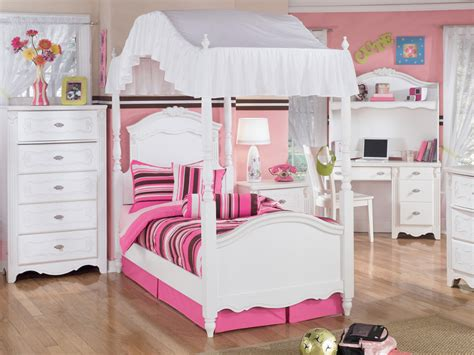 little girl canopy beds little girls canopy bedroom sets