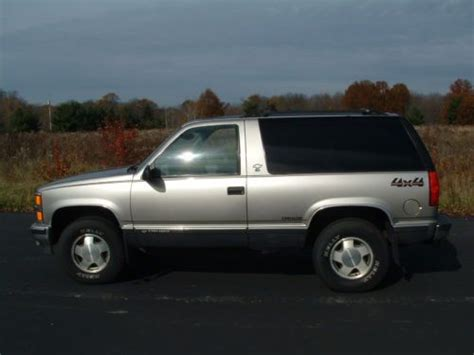 1999 2 Door Tahoe by Sell Used 1999 Chevy Tahoe 4x4 2 Door 164 000