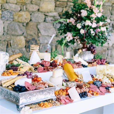 Food bar ideas for your wedding brides