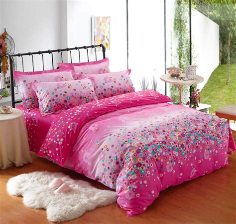what to look for in bed sheets change the look of the room with classy bedding