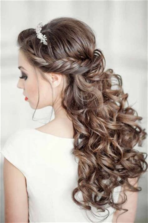 wedding hairstyles curls down elegant wedding hairstyles half up half down tulle