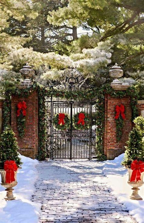neighborhood entrance christmas decorations 18 best neighborhood entrance ideas images on decor merry