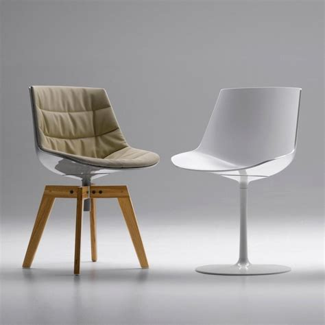 Mdf Italia Chair by Flow Chair With Central Leg Mdf Italia Ambientedirect