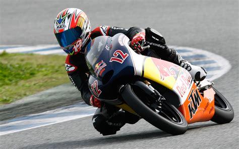 racing motors dangerous sports motorcycle racing bull racer