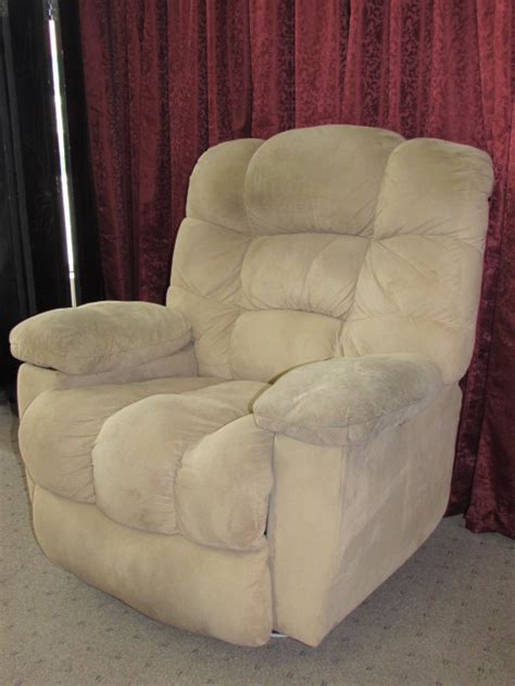 Comfy Recliner by Lot Detail Comfy Furniture Industries Recliner