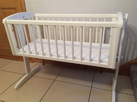 mothercare swinging crib white mothercare swinging crib mattress and 28 images