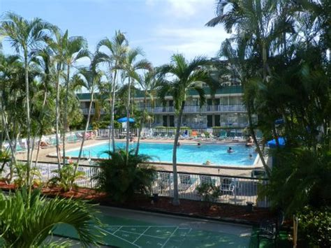 Wyndham Garden Fort Myers by Tiki Bar Exterior Picture Of Wyndham Garden Fort Myers