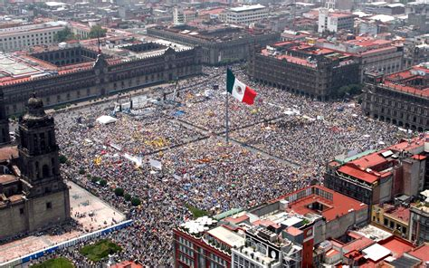zocalo plaza mexico city el z 243 calo in mexico city bay essence